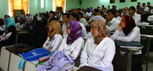Iraqi medical students, at University of Basrah College of Medicine in 2010.