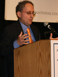 Dr. Kenneth Katzman, Senior Analyst of Gulf Affairs for the U.S. Congressional Research Service, comments on the geopolitical dynamics of Iraq and Iran at the 2007 Arab-U.S. Policymakers Conference